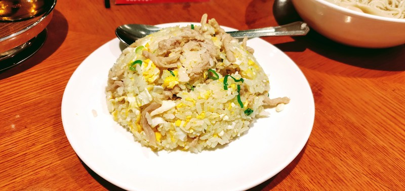Egg fried rice with shrimps and shredded pork
