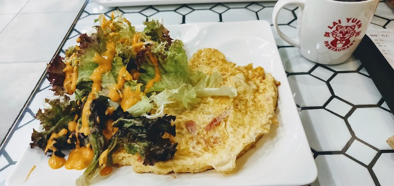 Mushrooms and Ham Omelette with salad