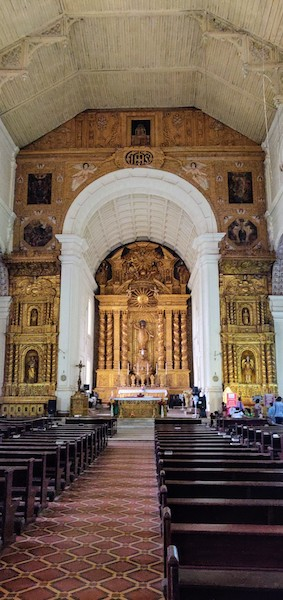 View of the altar inside the Church of Bom Jesus, Old Goa