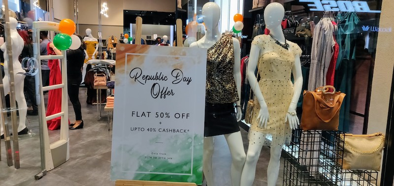 Any holiday is a reason to shop - Republic Day discounts galore !