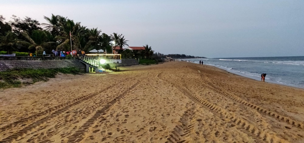 The private access to a public beach from the Radisson hotel in Mahabalipuram