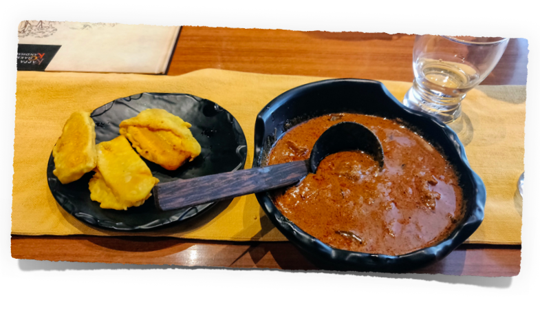 Pazham Pori with Beef curry at  Kappa Chakka Kandhari