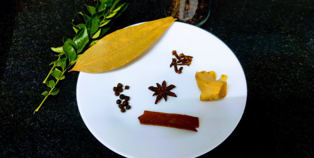 Spices for the stew - cinnamon, cloves, whole black pepper, bay leaf and star anise. Ginger that I missed in the above photo